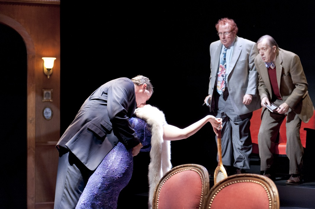 the real inspector hound The real inspector hound is a short, one-act play by tom stoppard the plot follows two theatre critics named moon and birdboot who are watching a ludicrous setup of.